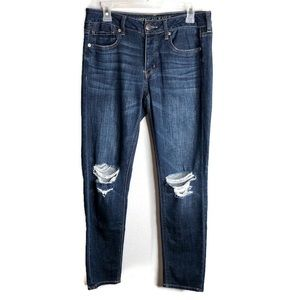 AMERICAN EAGLE Tomgirl Distressed Jeans Size 4